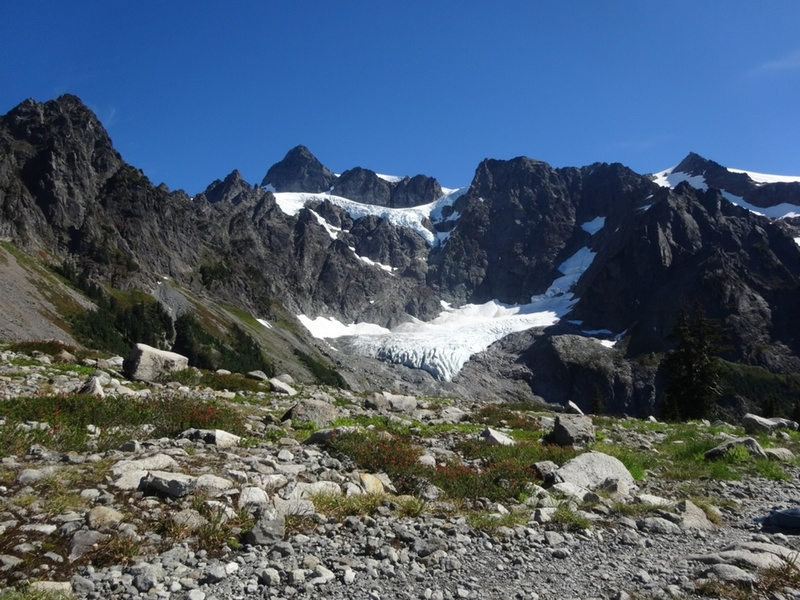 A view from Lake Ann approach trail