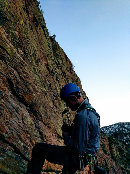 Last climb of the day, rapping from the second anchor with a 70m. A perfect day to climb.