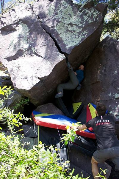 Alex, surprised to pull off the start. Vicente, also in mild disbelief, rushing to the spot. Fist Fight (V5)