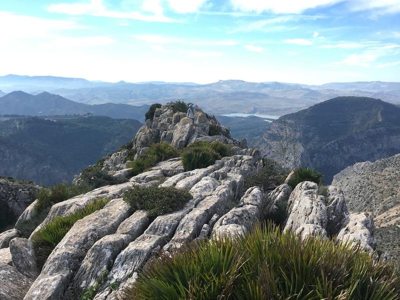 Walking the summit ridge towards escale arabe.
