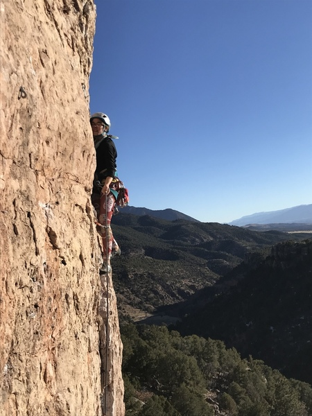 Zoe just above the crux on Muscle Beach.