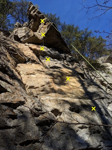 Rope hanging on the bolt line for Guide's 10b