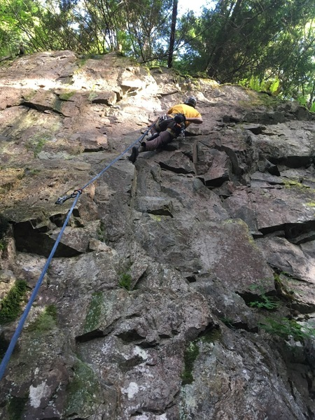Vitalie chalking up before the crux
