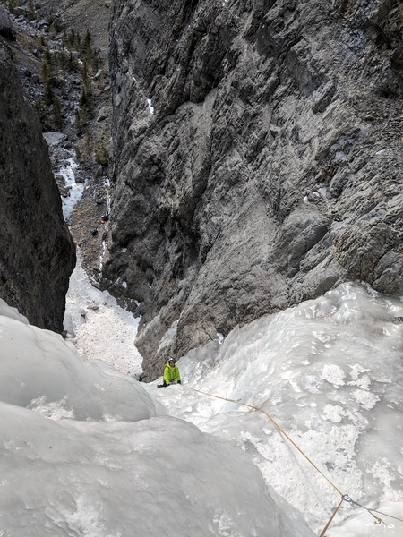 Vik Sahney ascending the first pitch of Aquarius on 1/10/2019