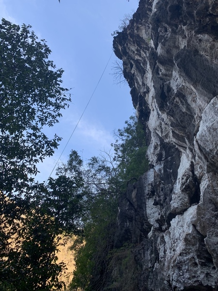 The rappel rope should give you some idea of just how overhanging the route is.