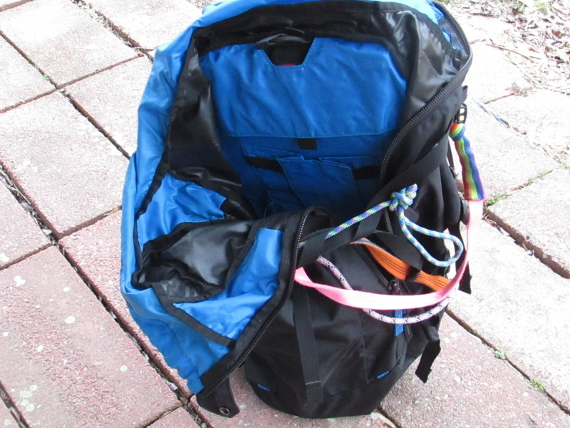black,Black Diamond, Stone 45,cragging pack, side-ziphydration pouch, stiff removable back,panel