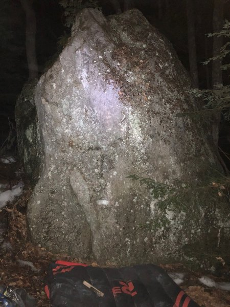 Jeff Smith Line on the left side of the Slab boulder. You can make out the slopey rail at the bottom, indicating the start
