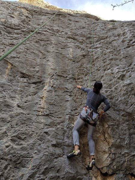 Ronda approaching the 3rd bolt on Out of the Abyss.