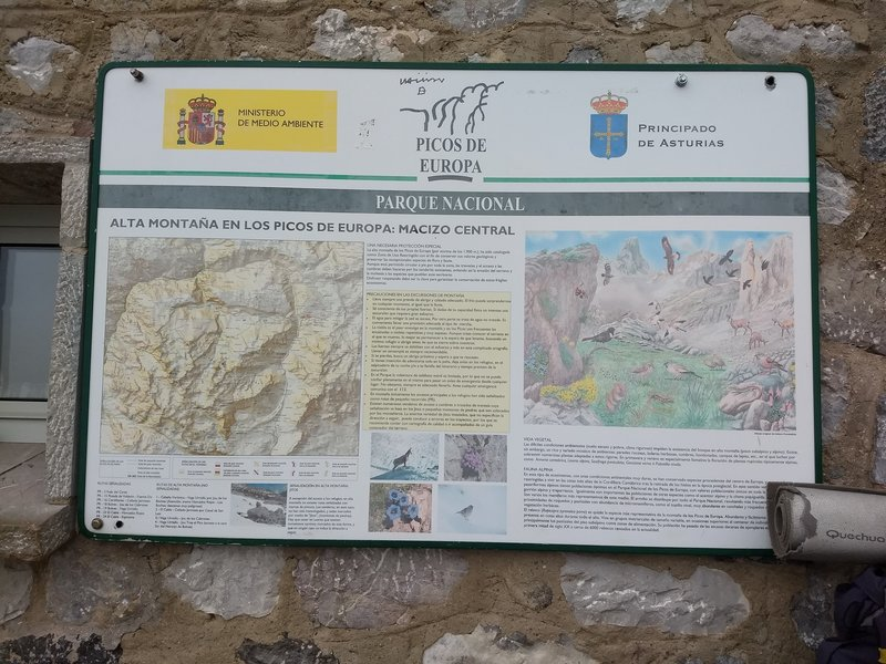 Plaque with info at the base of the refuge, seems to be about wildlife and the park.