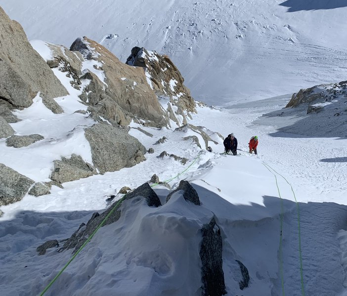 Snow couloir/easy mixed about midway up the Contamine-Grisolle. Fixed anchors every 60m or so on the rock.