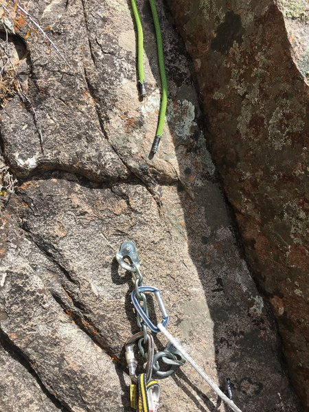 The reach of a single 60m rope from the top anchors to the top of the second pitch.