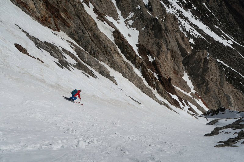 Skiing the Mendenhall Couloir