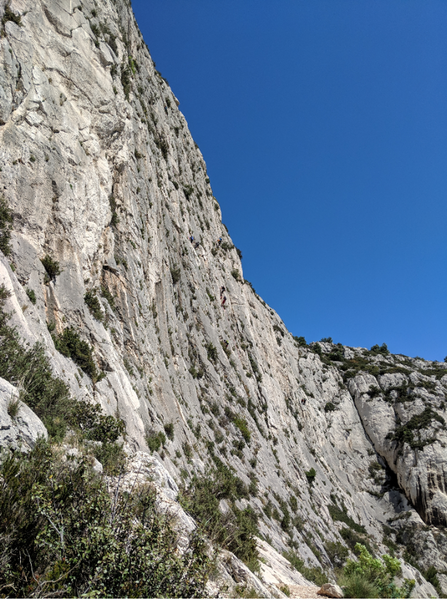 Middle area of the wall, with lots of easy 6 multipitch routes.