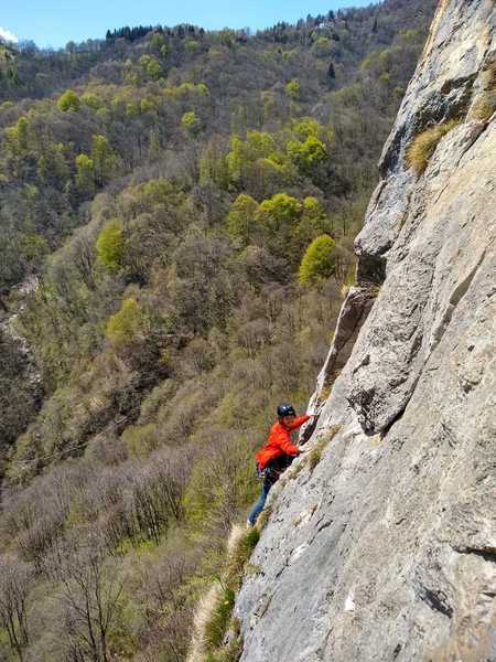 Niels on some multipitch on the main left wall.