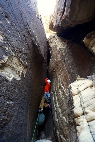 Starting the 7th pitch. Dangling the ol' pack 'cuz blue collar is the name of the game here. (Photo: Giselle Field)
