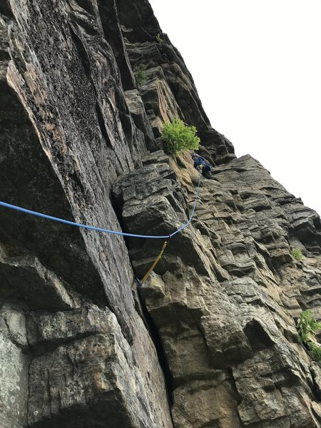 Leading P2 of Easy Overhang