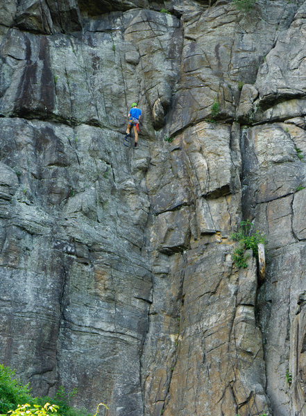 Carter Ley practicing big wall systems on Tower Wall. Photo by Henry Ley.
