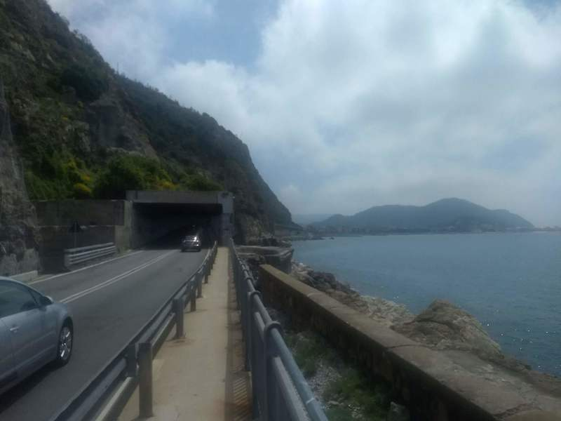 On the approach.. into the tunnel we go. Cliff visible on right side of tunnel
