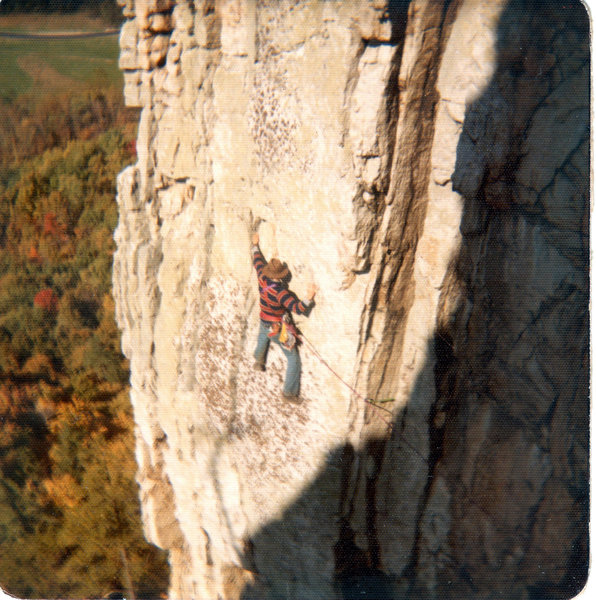Horrendous Traverse 1972 (swami webbing, vibram klettershoes, leather gloves for the hip belay, very little gear)