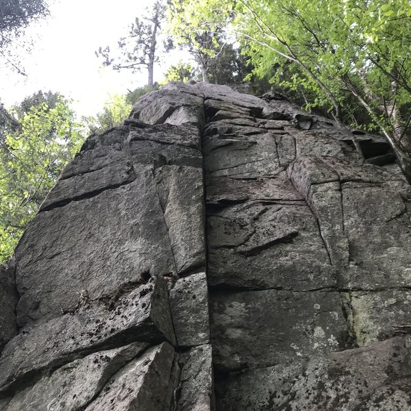 Black Beans runs up the face, lots of options. Frijoles Negros is on the left, up a series of aretes, ledges and a nice handcrack.