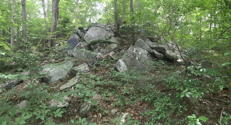 This is the wide shot of the back boulders, with slightly slanted crash zones