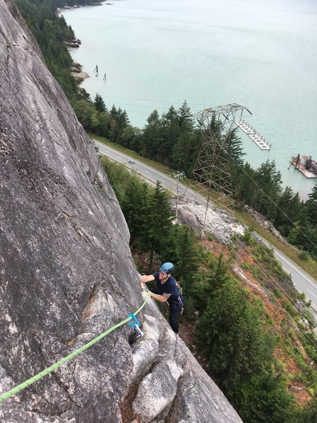 The P3 traverse was very exposed, and felt pretty stiff for 5.9. A short but awesome pitch