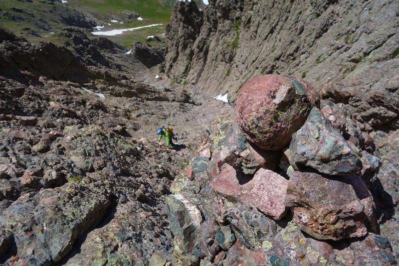 Descent gully. Follow the cairns.