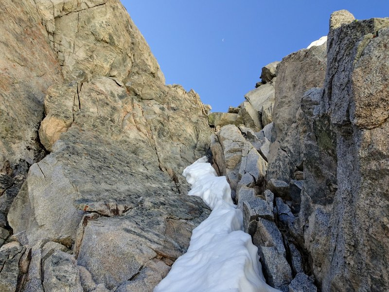 the hidden secondary couloir with mixed rock & snow at the top