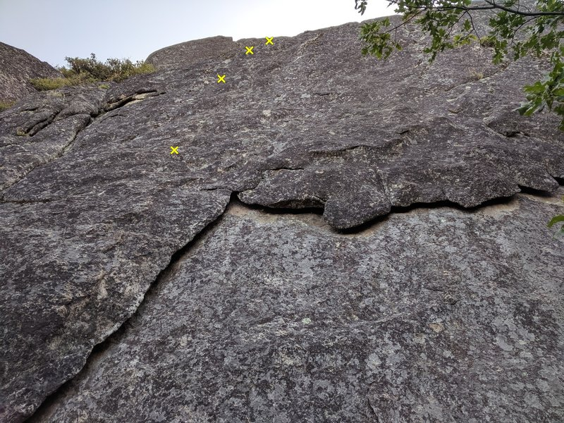 An interesting route we found.  Looks ~5.6, but we didn't try it, or see the top.  Well protected!