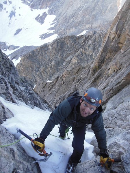 Bjorn getting to saddle in Tower 1 Gulley