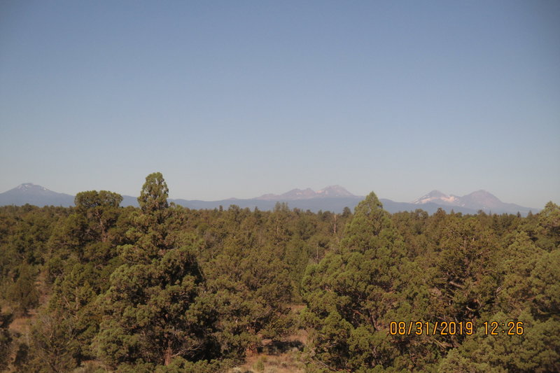 Beautiful view of the Central Oregon Cascades