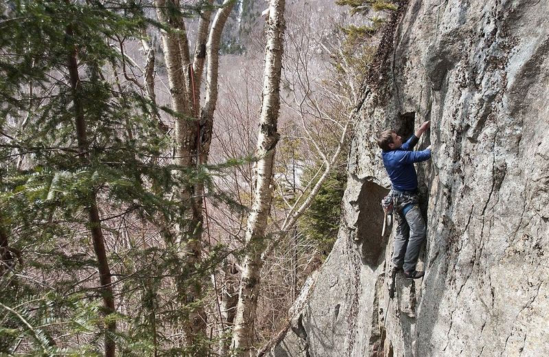 John Bain leading Pixie 5.9, 50'. Photo by: Jamie Cunningham.