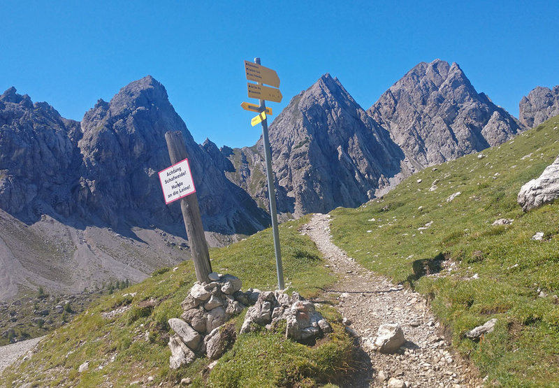 S start for trail 14 to VF Laserz Klettersteig -- looking NW to VF Madonnen peaks beyond