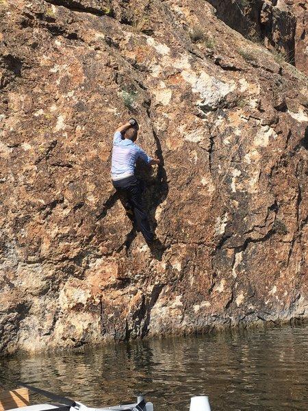 H V2 face climbing