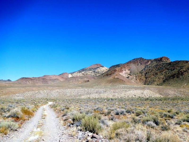 Scenery near Red Mountain, Central Nevada