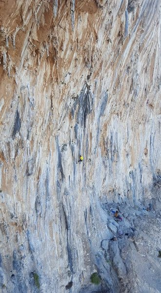 Poor mans drone shot on the rappel descend from the multi pitch anchors.