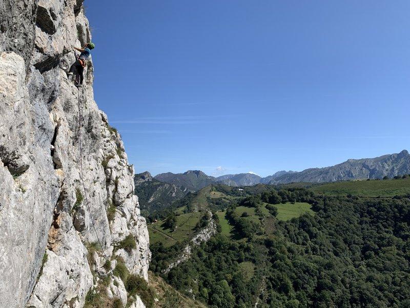 Climbing Marianela Mercado