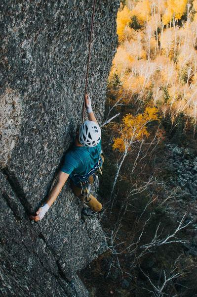 Kyle Ellefson traversing into the final hand crack.<br> PHOTO: Conner Cranz