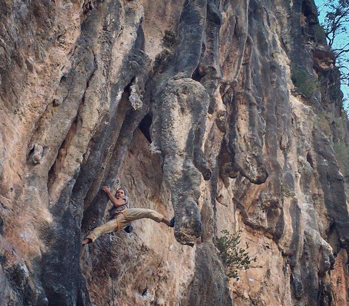 Tufa climbing at Chorreras