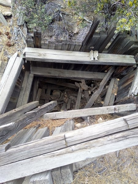 Abandoned mine, Holcomb Valley Pinnacles