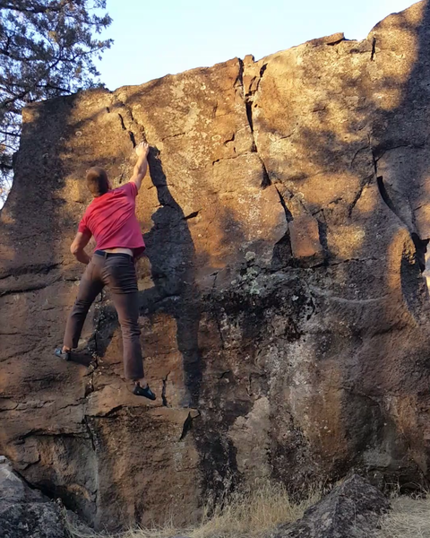 Catching the mono-dyno on Hole in One V6