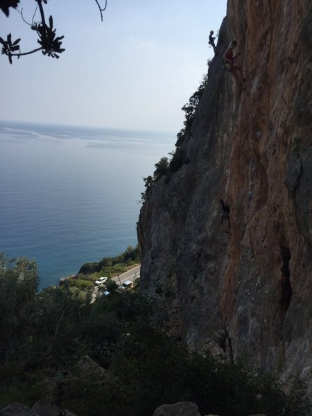 Ocean views from Sabaton 1 - count the climbers!