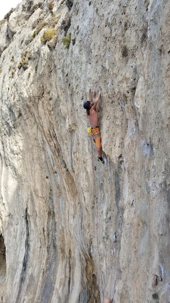 Fred pulling hard on the upper Crux of Zorba le Gros