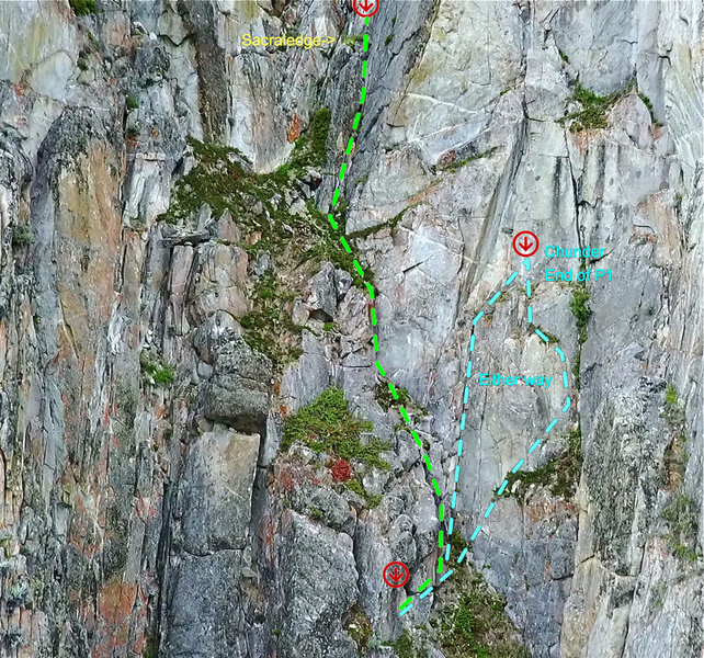 2 Options for the Day: 1.) Head right and up to Chunder Gully ~15m OR 2.) sneak right around the block up to a corner. Climb through dirt and juniper to a small block. Stay right and climb to bolted station. Sacraledge!