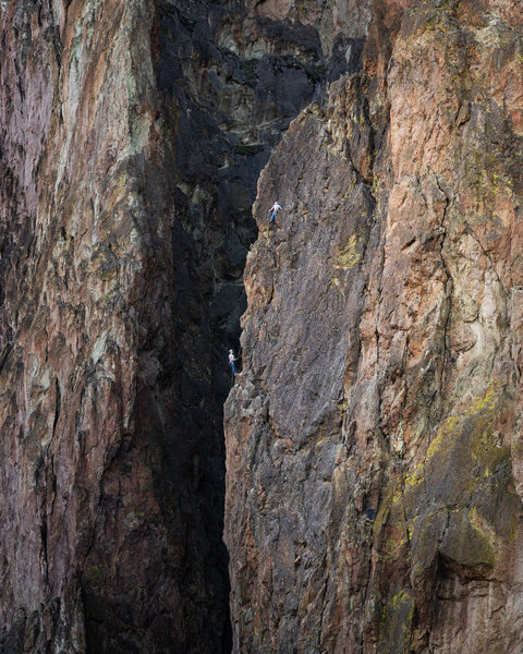 2 climbers on the route. Unsure which pitch. Taken by @Dylan_zo