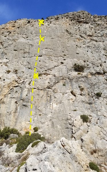 Le Glod is an enjoyable 3 pitch route of the center of the shield.