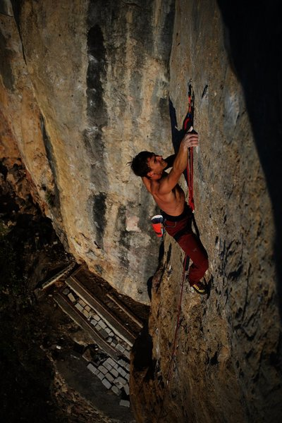 'Climbing School' 13b at Jin Gang Shan