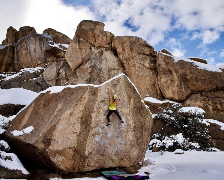 Liz redpointing JBMFP in the snow