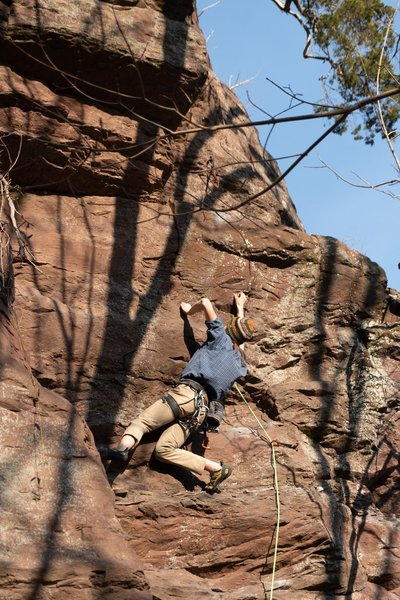 Pulling the crimps to the mantle ledge