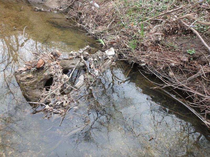 follow creek to the short cliffbands